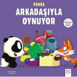 Panda Arkadaşıyla Oynuyor